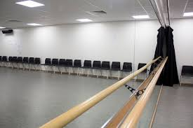 sound system for dance studio. dance studio. fitted with full length mirrored wall and bars. professional sound system for that extra touch of quality* excellent room rehearsing studio d