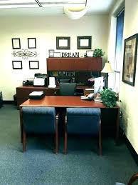 Office bay decoration themes Cubicle Office Decorating Themes Office Bay Decoration Themes Cool Office Decor For Work Minimalist Work Office Decorating Office Decorating Themes Optimizare Office Decorating Themes Bay Decoration Simple Office Decorating