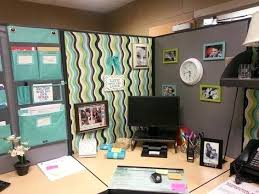 ways to decorate office. Cheap Ways To Decorate Your Office At Work How Cubicle Decorations