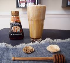 First drizzle some caramel around the inside of the glass. Caramel Craze Caramel Iced Coffee With Caramel Cold Foam Sukrin Usa