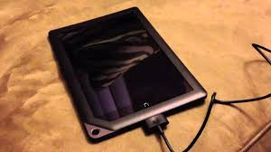 Nook Not Charging Green Light My Nook Hd Does Not Charge When Turned Off Automatically Turns On After Plugging Power Cable