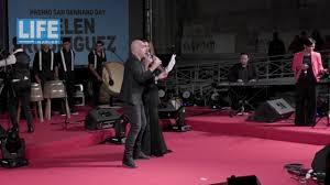 Belen Rodriguez canta Luna Rossa - YouTube