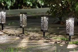 solar powered garden lights deal