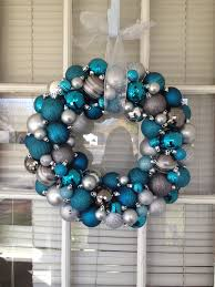 Christmas Ornament Wreath, Teal & Silver im making this.