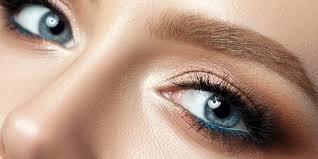 Permanentní Make Up Očních Linek Nebo Vláskování Obočí