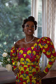 Viola davis grew up in rhode island, where she began acting — first in high school, and then at rhode island college. See Viola Davis S 2021 Golden Globes Look In Photos