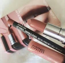 there is 0 tip to this make up lip liner natural makeup look lip gloss cosmetics mac cosmetics lip liner lipstick mac lipstick lipstick