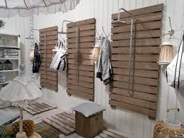 Outdoor shower from upcycled pallet design.