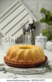 Banyak aneka variasi makanan olahan dari labu kuning tentunya selain disayur dan dikolak diantaranya kue lumpur puding dll. Shutterstock Puzzlepix