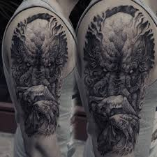 Cthulhu Tattoo On The Right Upper Arm And Shoulder