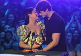 Clearly, what the public had detected. Noah Centineo And Lana Condor Win Mtv Movie And Tv Awards Best Kiss Metro News