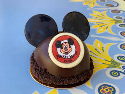 REVIEW: <b>Jolly Holiday</b> Bakery <b>Mickey Mouse</b> Club Hat Dessert - Get ...