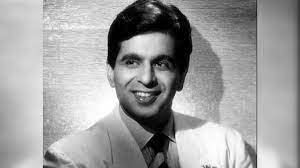 Dilip Kumar laid to rest at Juhu ...