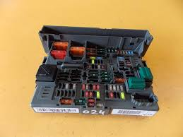 bmw 3 series e90 e91 estate 318i n43 039 08 fuse box 9119444 bmw 3 series e90 e91 estate 318i n43 08 fuse box 9119444