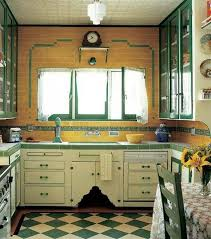 really neat vintage kitchen bebe love this look