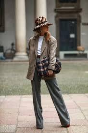 <b>Комплект</b> №1 . Блейзер, топ, джинсы и шарф – Zara. Сникерсы ...
