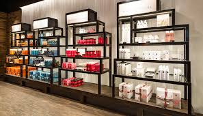 Designer Cosmetics Outlet Shops Shopping At The Airport Munich Airport