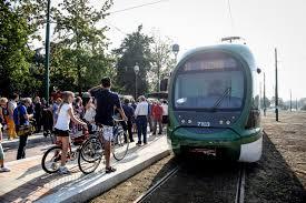 Il tram 15 da oggi arriva fino al centro storico di Rozzano