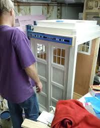 DIY Kitty TARDIS Playhouse For Cats Who Love The DoctorTARDIS House For Cats