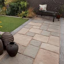 Olde Blend Bamburgh Mill Mixed Size Paving Pack (L)3180 (W)2850mm |  Departments | DIY at B&Q