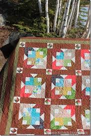 """Tamarack Shack: Boxy Stars & This is Robin's Boxy Stars quilt and the pattern is free on Bonnie Hunters  Quiltville site here. The pattern can be made with scraps of 2 1/2"""" strips  but ... Adamdwight.com"""