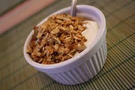 Résultats de recherche d'images pour «yogourt et granola»
