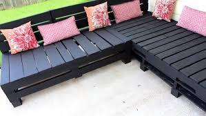 pallet patio furniture decor. DIY Pallet Furniture - Patio Sectional   Outdoor Living Decor