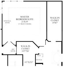 small bedroom closet size master dimensions average of m secondary bedroom closet size standard dimensions linen