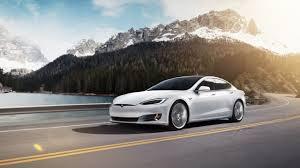 Tesla risorge dalle ceneri: azioni in positivo e trimestre record in arrivo