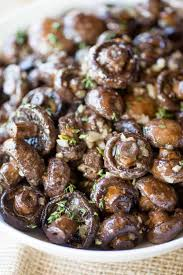 Round out your holiday dinner with these tasty vegetable side dishes that pair well with prime rib — including mashed potatoes, salads and roasted carrots. Roasted Garlic Butter Mushrooms Dinner Then Dessert
