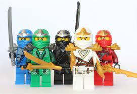 LEGO Ninjago - 5 ZX Ninjas - Lloyd, Kai, Cole, Jay & Zane: Amazon.de:  Spielzeug