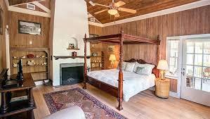 bedroom island king guestroom at island tropical island themed bedroom