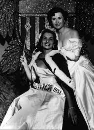 Yolande Betbeze Fox, a Miss America who rebelled, dies at 87 - The  Washington Post
