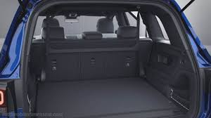 Der wagen legt den akzent aufs raumangebot und bietet bis zu sieben sitze. Mercedes Benz Glb Dimensions Boot Space And Interior