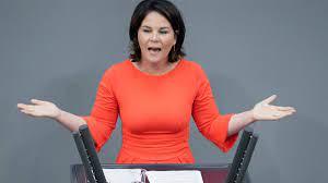 Dezember 1980 in hannover) ist eine deutsche politikerin der grünen und bundestagsabgeordnete. Debatte Um Buch Baerbock Raumt Fehler Ein Zdfheute