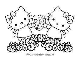 Hello Kitty En Mimmi Delen Een Hartje Kleurplaten Kleurplaten Voor Jou
