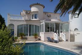 belle maison avec amarre a empuriabrava empuriabrava