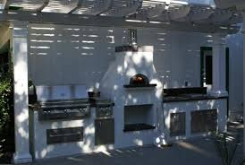 this pizza oven with bbq kitchen brings entertaing to a whole new level pick from our jenn air alfresco grills oci and viking outdoor s