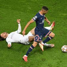 PSG and referee show Jack Grealish the ...
