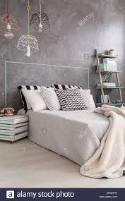 Neues Design Schlafzimmer Mit Diy Nachttisch Moderne Pendelleuchte