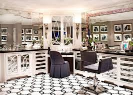 sorry to tell you but kris jenner s kuwtk house is a big old fake