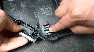 how to check car fuses how to tell if they re blown