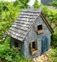 Декоративный домик для сада своими руками фото