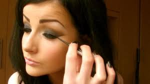 pics of how to do your makeup like a glamour model