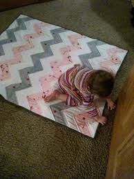 Best 25+ Chevron baby quilts ideas on Pinterest | Chevron quilt ... & Chevron baby quilt or Half Square Triange (HST) quilt Adamdwight.com