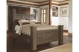 Juararo Queen Bedroom Set Poster Bed Ashley Furniture HomeStore ...