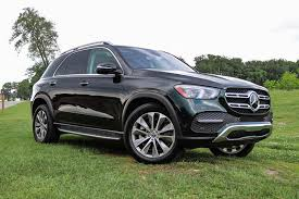 In addition to the new exterior stuff, the 2020 gle also brings a totally revamped interior design, taking cues from both mercedes' suv line and its sedan line to create something that's. 2020 Mercedes Benz Gle Class Models Review Price Specs Trims New Interior Features Exterior Design And Specifications Carbuzz