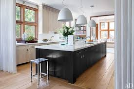 Pendant kitchen lighting Silver Artemide Pendant Lights Are Paired With Oak Cabinetry Designed By Architect Frank Greenwald Architectural Digest 31 Kitchens With Pretty Pendant Lighting Architectural Digest
