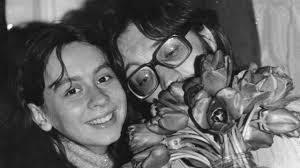 Юрий Шевчукның беренче хатыны Эльмира турында фильм төшерәләр  Юрий Шевчук шулай ук фильмны төшерүдә катнаша ләкин үзенә артык игътибар җәлеп итмәскә тырыша