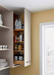 this pull out includes rail sides to keep items in place